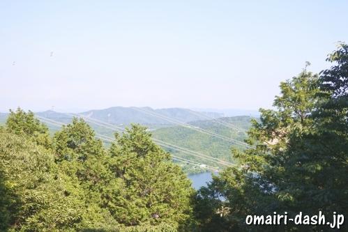 尾張冨士大宮浅間神社(愛知県犬山市)奥宮頂上からの眺め(入鹿池)