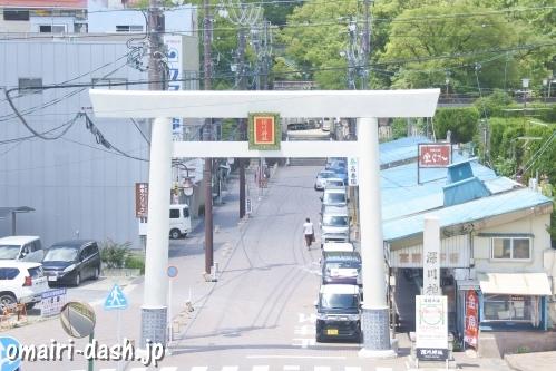 深川神社(愛知県瀬戸市)一の鳥居(宮前地下街)