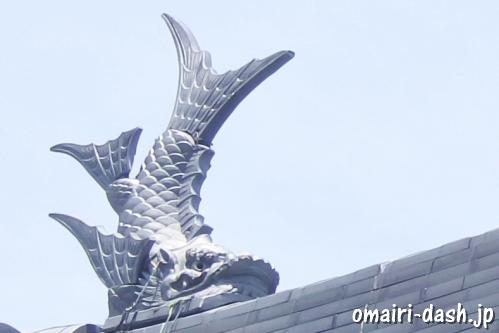 墨俣一夜城(岐阜県大垣市墨俣町)拝殿屋根の鯱