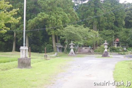 伊富岐神社(岐阜県不破郡垂井町)駐車場(駐車させてもらえそうなスペース)