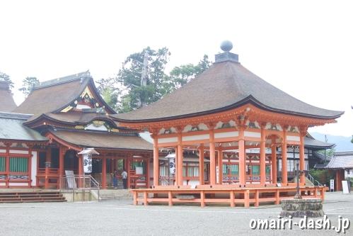 南宮大社(岐阜県垂井町)拝殿と高舞殿