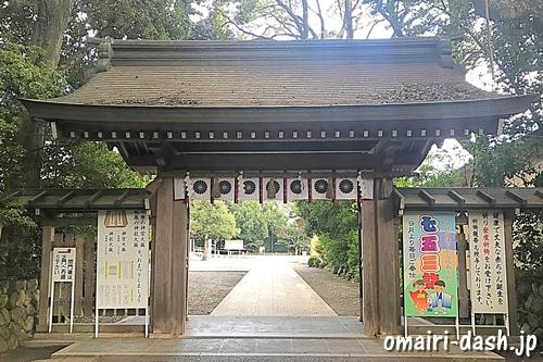 砥鹿神社(愛知県豊川市)西神門