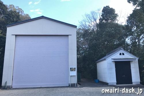 三好八幡社(愛知県みよし市)山車倉庫と神輿倉庫