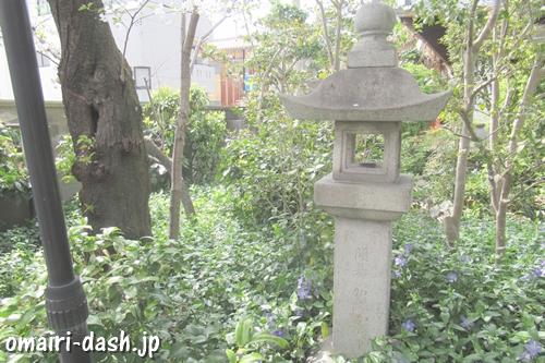 雲龍山喜見寺(名古屋市熱田区)石燈籠(開基加藤)