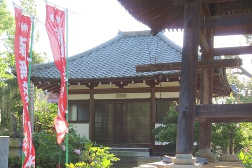 長沼山萬徳寺(愛知県稲沢市)薬師如来を祀るお堂・鐘楼