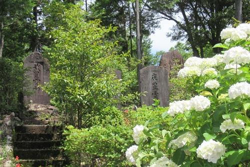 玉野御嶽神社(愛知県春日井市)霊神碑