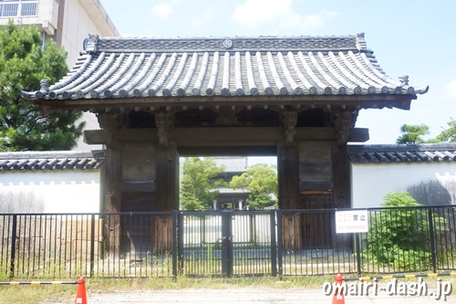 大樹寺(愛知県岡崎市)総門(県指定文化財)