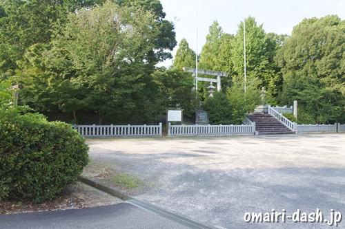 糟目春日神社(愛知県豊田市)駐車場入口(渡刈町ちびっこ広場)