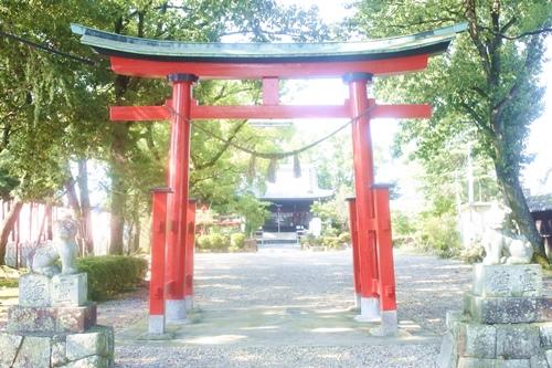 鴨田天満宮(愛知県岡崎市)二の鳥居と狛犬