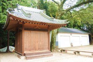 糟目春日神社(愛知県豊田市)神楽殿・収納庫