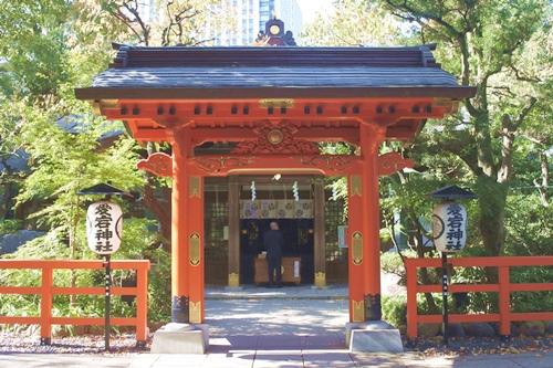 愛宕神社(東京都港区)丹塗りの門(神門)