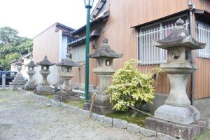 能見神明宮(愛知県岡崎市)石灯籠