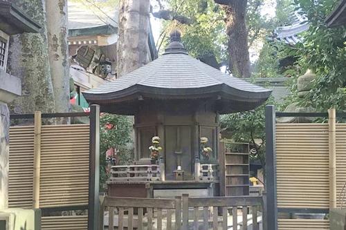 豊川稲荷東京別院(東京都港区)大岡廟