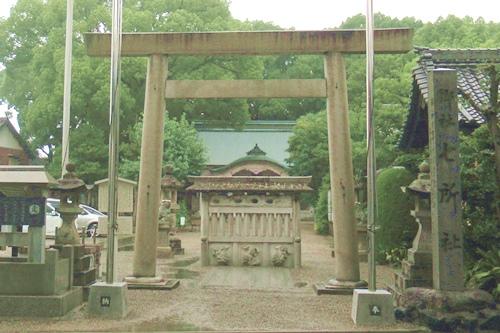 岩塚七所社(名古屋市中村区)鳥居・社号標