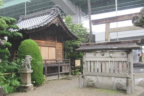 岩塚七所社(名古屋市中村区)蕃塀・神楽殿