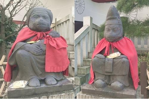 日枝神社(東京都千代田区)神猿像(本殿前)