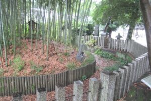 岩塚七所社(名古屋市中村区)厳島神社(弁天様・古墳)