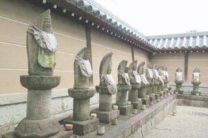 曹源寺(愛知県豊明市)築地塀・石仏
