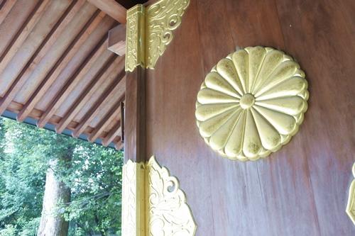 阿佐ヶ谷神明宮(東京都杉並区)瑞祥門(神門)の菊紋